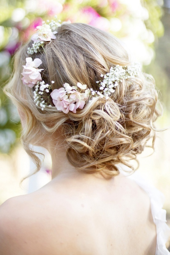 Novias con flores en el pelo PYP