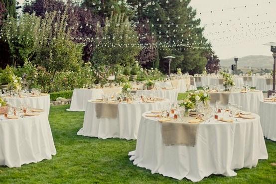 Pon caminos de mesa en tu boda pyp for Decoracion rustica para bodas